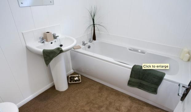 Mackworth lodge bathroom